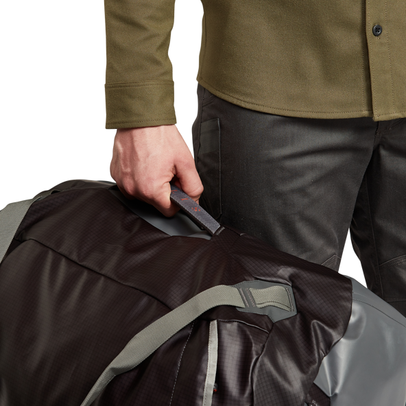 Drifter Duffle 75L in Lead removable straps